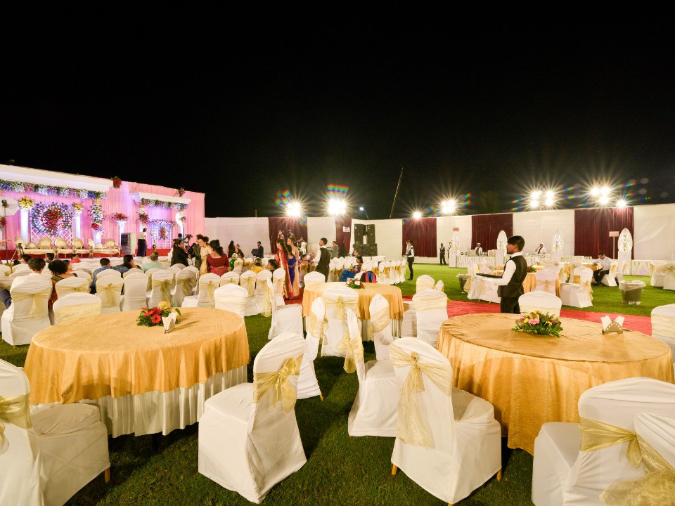 C:\Users\Retish\Desktop\ajmeras-indoor-sports-lawn-chembur-mumbai-2.jpg