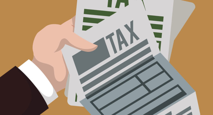 How to Save Money by Monitoring Your Tax Bracket