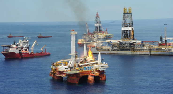 How a Houston Offshore Injury Lawyer Could Help You